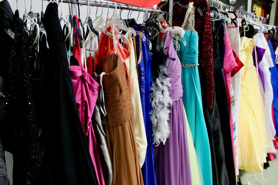 20180414 dresses1 scale
